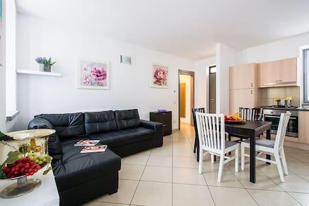 NEW CHARLESTON II Apartment