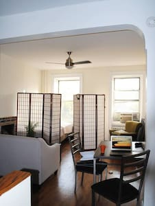 3 rooms  in East Village