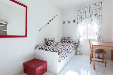 Private room: El Rastro - La Latina