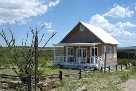 Tiny house with a BIG view! - Tombstone - Casa