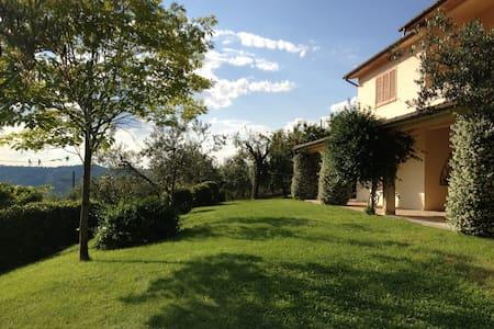 Villa con piscina vicina a Roma - Castelnuovo di Farfa - Villa