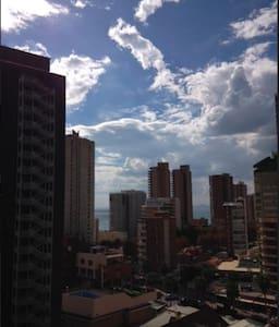 ATICO/Penthouse. Benidorm.Levante. 2p.Vistas/Views - Benidorm - Wohnung