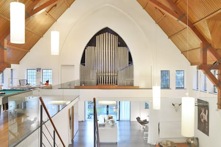 Transformed Church authentic/design - Loft
