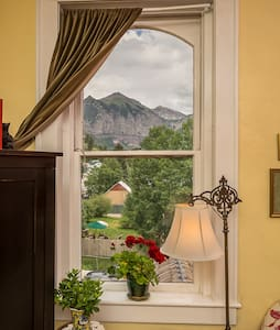 Historic Miners Union 3- VIEWS! - Telluride - Appartement