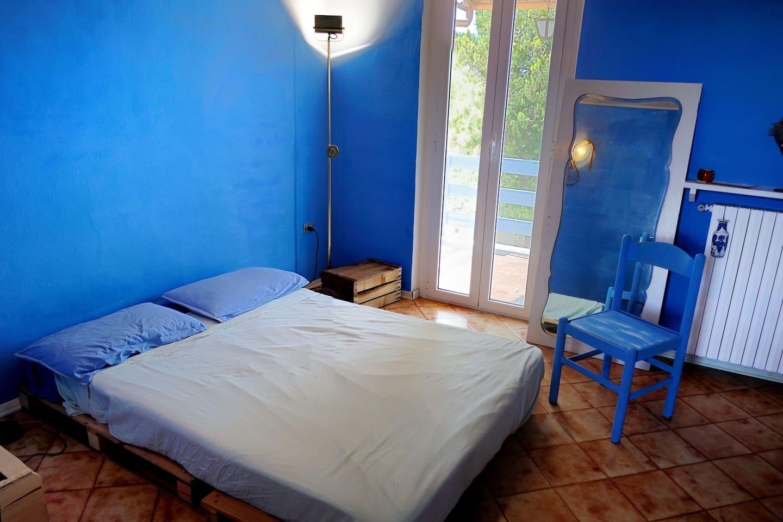 Colourful rooms in Monferrato
