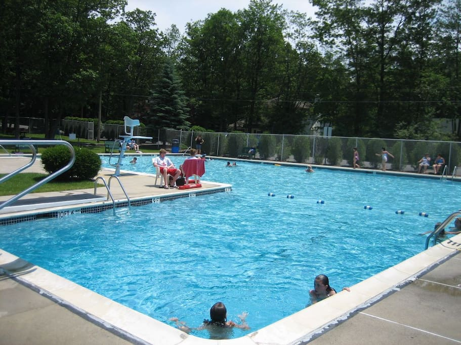 Community Swimming Pool.  We have beach tags for you to use.