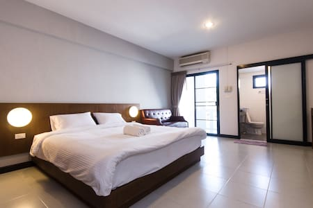 BEST VALUE, OFF THE NIMMAN AREA - Mueang Chiang Mai - Apartment