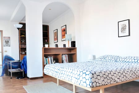 GREAT ROOM WITH TERRACE IN PIGNETO - Rome - Appartement