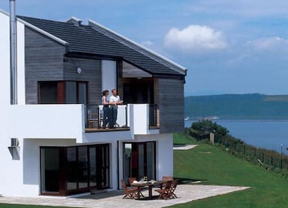 Carleton Village 4* Deluxe Villa, Youghal, Co.Cork - 4 Bed - Sleeps 8 - Youghal