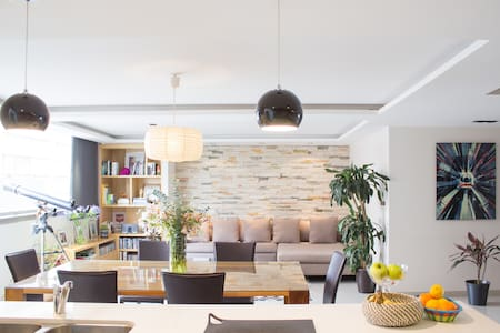 FROM JUST $195 USD PER NIGHT  Suites Mexico City Polanco is a spacious 2 rooms apartment with luxury services in the heart of Polanco. Enjoy and visit the best restaurants, hotels, parks and museums a few steps away.