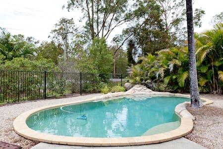 Pool, kittens, theme parks! - Pimpama, Gold Coast