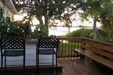 Riverfront studio with Private Deck