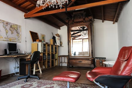 Bright & quiet Attic/Loft - 70m2 - Maison