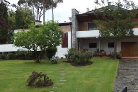 Villa with garden in Tuscany - House
