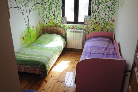 Nature bedroom + free bikes - Cetinje - Huis
