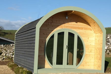 Skylark Glamping pod, amazing views - Brassington - Casa de campo