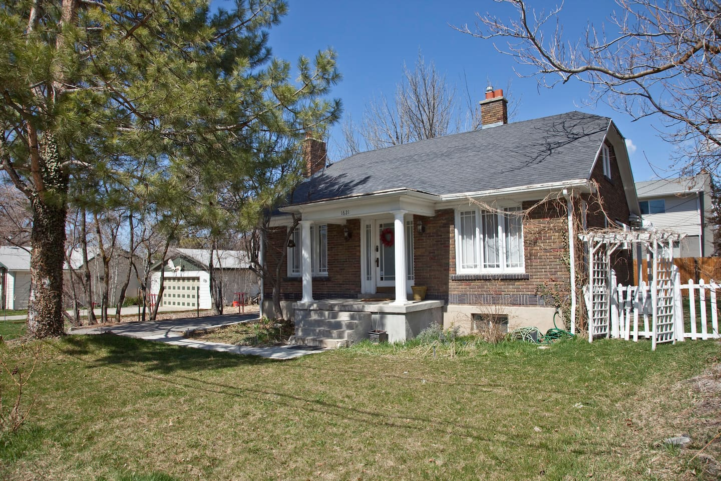 Colonial Cottage in Salt Lake City