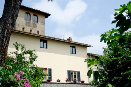 "B&B in historical Tuscan villa ""L"" - Bed & Breakfast"