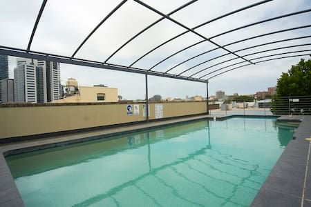Central 1 bedroom apartment w/pool