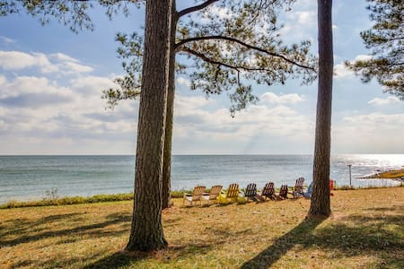 Chesapeake Bay Beachfront Estate - Reedville - Hus