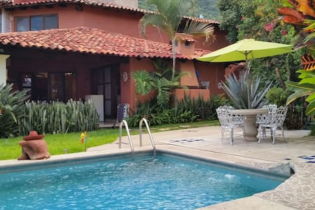 Beautiful House, Garden and Pool - Ajijic