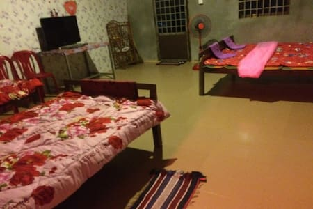 Private Bill's HomeStay Near Angkor -  Krong Siem Reap  - Huis
