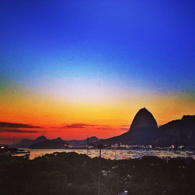 Inesquecível: Enseada de Botafogo ao por do sol