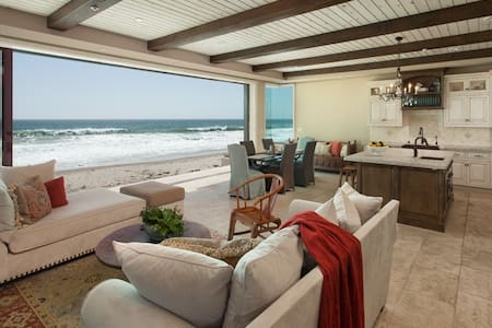 Stunning Custom Beach House - Hus