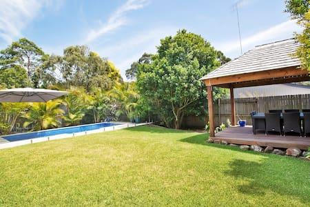 Poolside Oasis - Cromer
