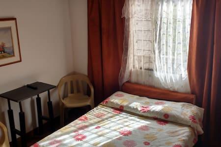casahotel calle 20#6-45 tranquilo, limpio y seguro - Cartago - Huis