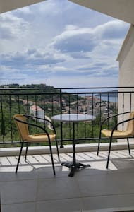 Quiet place with a beautiful view - Herceg Novi - Apartment