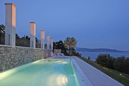Villa Gardone - Stunning view - Gardone Riviera - Villa