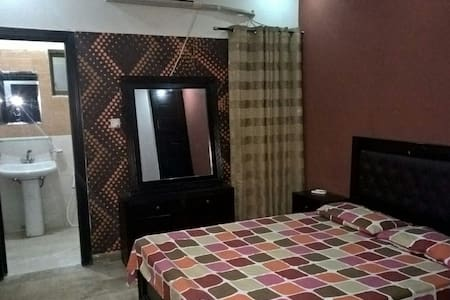 1 bd furnished apartment in Bahria