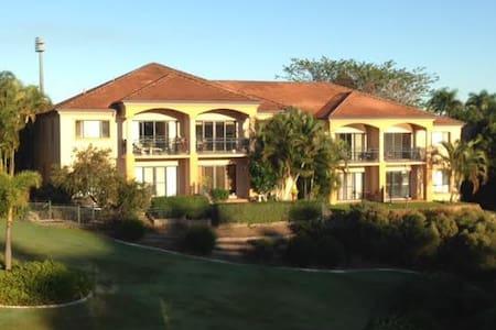 Villa on Golfcourse and Lake, Beach - Carrara - Villa