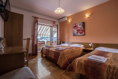Sistemazione in B@B per tre persone - Rovinj - Bed & Breakfast