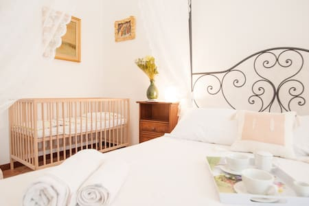 B&B SUSANNA HOME DOUBLE ROOM 2 + CRIB - Orvieto - Bed & Breakfast