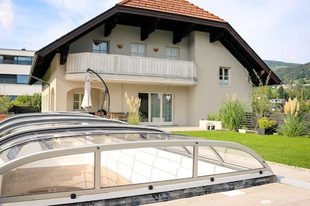 Modern House centre of Mondsee with pool &  garden - Mondsee
