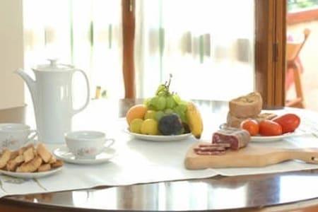 Stanza Matrimoniale - La Coccinella B&B - Ogliastro Cilento - Bed & Breakfast