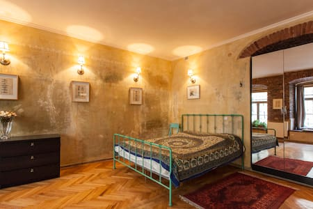 Great Loft in Historical house - Tbilisi - House