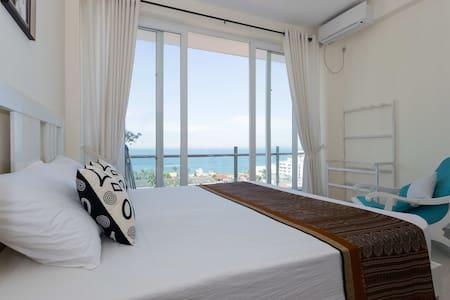 OceanBreeze Colombo - 2-B Sea View - Lejlighed