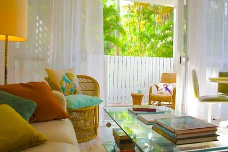 Boho Beach Apartment in town - Port Douglas - Apartment