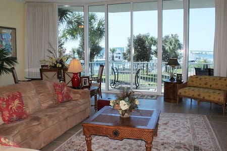 Moorings Ground Floor 4BR Bayfront! - Orange Beach - Departamento