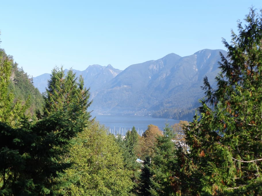 Great views of Howe Sound Inlet and the mountains.