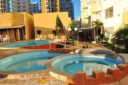 Flat no Thermas Place c/ 7 piscinas