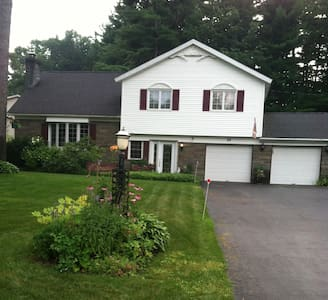 Quiet neighborhood, close to all of Saratoga!! - Saratoga Springs