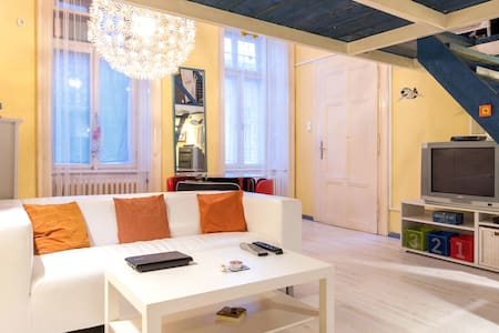 Fantastic Apt in the city center  - Budapest - Apartment