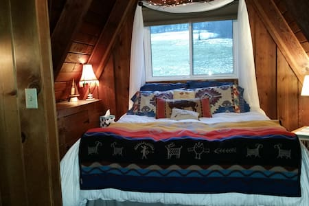 BIG SNOW ARRIVES Thur! Your loft bedroom is ready! - Ellicottville