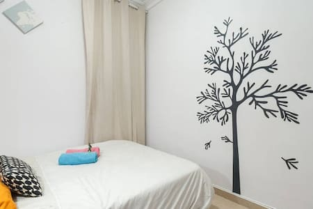 3 Nice Double Room with Internet + Metro + CampNou - Barcelona - Apartment