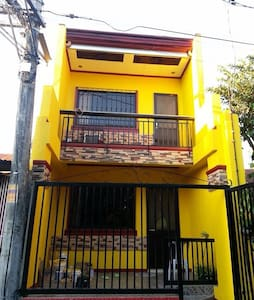 HOUSE FOR RENT IN MOLINO BACOOR - Huis
