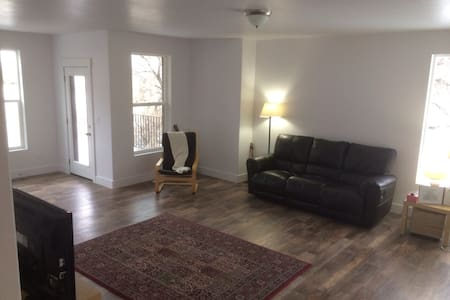 New Home with Memory Foam Mattress - salt lake city